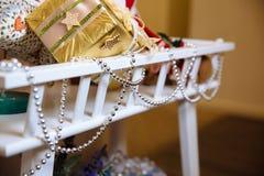Geschenke der frohen Weihnachten und des neuen Jahres 2017, Spielwaren, Dekoration Concepy von Feiertagen Stockbilder