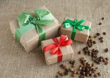 Geschenke für Draufsicht des Feiertags Stockfotos