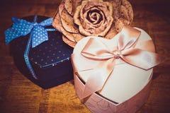 Geschenke für Valentinstag Lizenzfreies Stockfoto