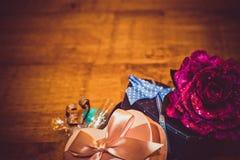 Geschenke für Valentinstag Stockbild