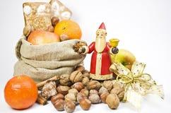 Geschenke am Sankt- Nikolaustag stockfoto