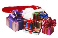 Geschenke von der Weihnachtssocke Lizenzfreie Stockfotografie