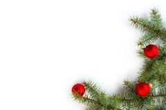 Geschenkkästen mit den goldenen Farbbändern getrennt auf weißem Hintergrund Stockbild