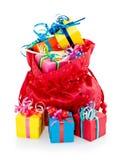Geschenkkästen und roter Beutel Stockbild