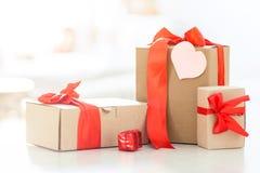 Geschenkkasten mit Innerem Stockbild