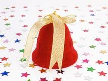 Geschenkkastenglocke mit Goldbogen für Schmucksachen Stockfoto