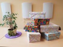 Geschenkstapelsachen lizenzfreie stockfotos