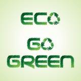 Geschetste eco en gaat groen woord maakt door kringloopico Stock Afbeeldingen