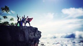 Geschäfts-Superheld-Rand Cliff Achievement Success Concept Stockfotografie