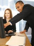 Geschäfts-Team-Behandeln Stockbild