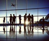 Geschäfts-Team am Flughafen Stockbild