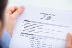 Geschäftsfraulesecurriculum vitae Lizenzfreie Stockfotos