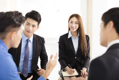 Geschäftsleute Unternehmenskommunikations-Sitzungs-im Büro Lizenzfreies Stockfoto