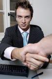 Geschäftsmanhändedruck Lizenzfreie Stockfotos
