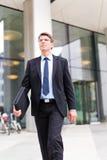 Geschäftsmann-In Frankfurt-Hauptleitung Lizenzfreies Stockbild