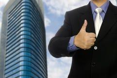 Geschäftsmann-Show-Daumen oben Stockfotografie