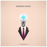 Geschäftsmannsymbol mit kreativem Glühlampezeichen Stockfotos