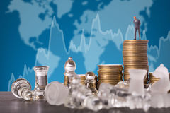 Geschäftswettbewerbsschachkampf-Strategiespiel Stockfotografie