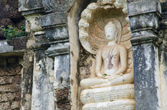 Geschichte Buddha in Sukhothai stockfotos
