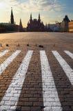 Geschichtemuseums- und Kremlinskontrollturm bei rotem Suare in Moskau. Stockfoto