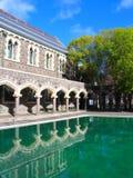 Geschichten-Gebäude in Christchurch (Spiegel) Stockfotografie