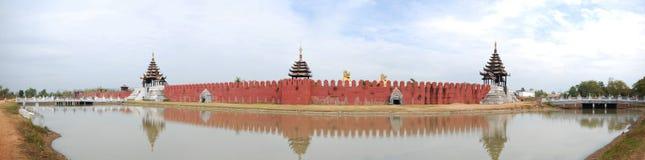 Geschichtenfestung und -Backsteinmauer Lizenzfreies Stockbild