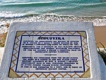 Geschiedenis van Albufeira in Portugal op een raad wordt geschreven die stock foto