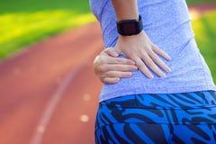 Geschiktheid, gezondheidszorg en geneeskundeconcept - sluit omhoog van sportieve wo stock foto's