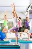 Geschiktheid - Opleiding en training in gymnastiek Royalty-vrije Stock Afbeelding