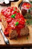 Geschild Gerstbrood met tomatensaus Stock Afbeelding