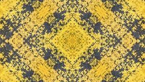 Geschilderd het ontwerp van de Grungestijl geel met blauwe sporen en sporen van roest stock foto's