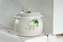 Geschilderde ceramische pot stock afbeeldingen