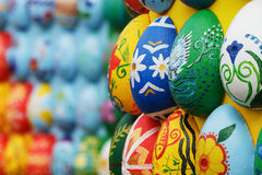 Geschilderde houten eieren, achtergrond Royalty-vrije Stock Afbeelding