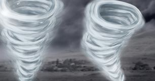 Geschilderde tornadotwisters en donkere hemel Stock Foto
