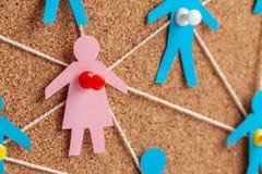 Geschlechtsspezifischer Unterschied in der Firma Suche nach geliebter verbindet Kommunikationsfrauen mit vielen M?nnern stockbilder