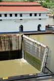 Geschlossene Verriegelungen des Panamakanals Lizenzfreie Stockbilder