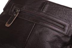 Geschlossener Reißverschluss auf einer Taschennahaufnahme Lizenzfreies Stockbild