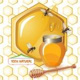 Geschlossenes Honigglas, hölzerne Schöpflöffelbienen lizenzfreie abbildung