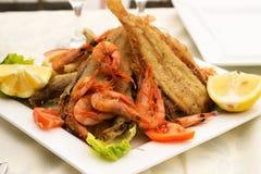 Geschmackvolle Fische mit Meeresfrüchten stockfoto