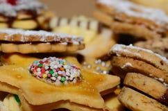 Geschmackvolle Kekse für Weihnachten Stockfotos
