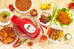 Geschmackvolle Nahrung mit Luftgrill Stockfotografie