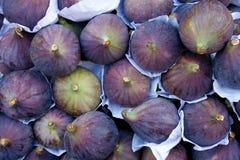 Geschmackvolle organische Feigen stockbild