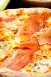 Geschmackvolle Pizza Lizenzfreie Stockfotografie