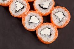Geschmackvolle Rollen-Philadelphia-Sushi Lizenzfreie Stockfotos