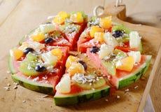 Geschmackvolle saftige Wassermelonenpizza der tropischen Frucht Lizenzfreies Stockbild