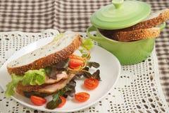 Geschmackvolle Sandwichschinkenscheibe lizenzfreies stockbild