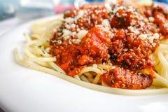 Geschmackvolle Teigwaren-italienische Fleischsoßenteigwaren Stockbild
