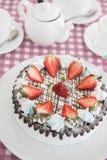 Geschmackvoller Erdbeercremekuchen Lizenzfreies Stockfoto