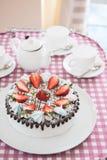 Geschmackvoller Erdbeercremekuchen Stockfoto