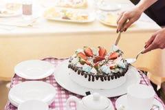 Geschmackvoller Erdbeercremekuchen Stockbild